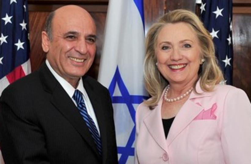 Mofaz and Clinton 370 (photo credit: Ron Sachs / CNP)