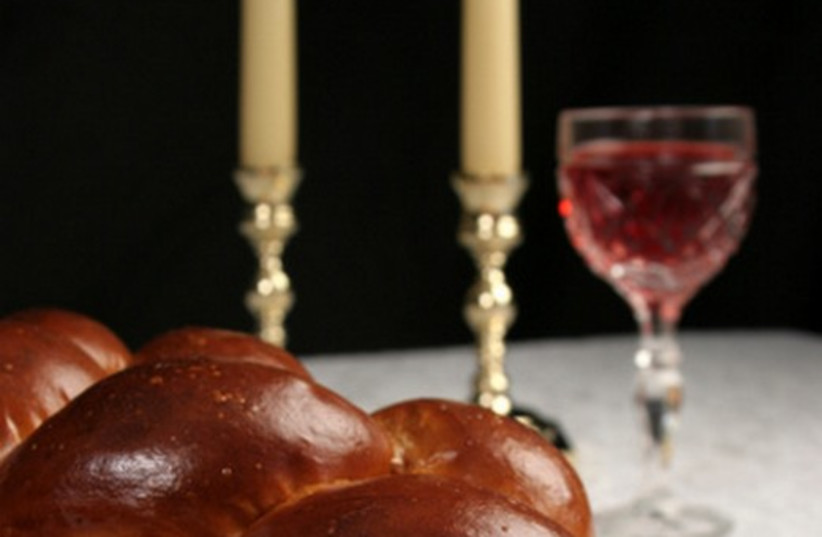 Shabbat table 521 (photo credit: Thinkstock/Imagebank)