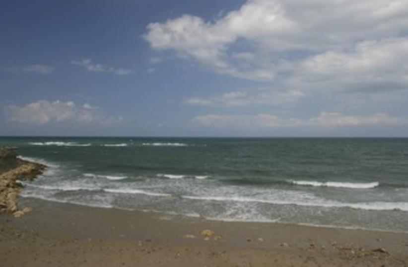 Beach coast sea water sand 370 (photo credit: Thinkstock/Imagebank)