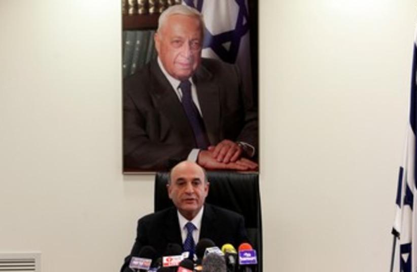 Shaul Mofaz at Kadima faction meeting 370 (photo credit: Marc Israel Sellem / The Jerusalem Post)