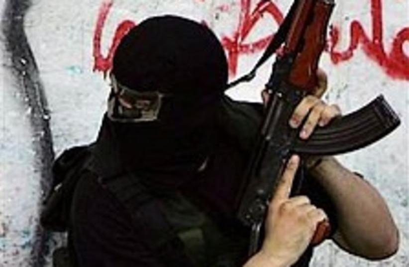 Hamas gunman 224.88 (photo credit: AP)