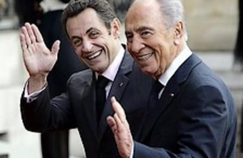 Peres Sarkozy 224.88 (photo credit: AP)