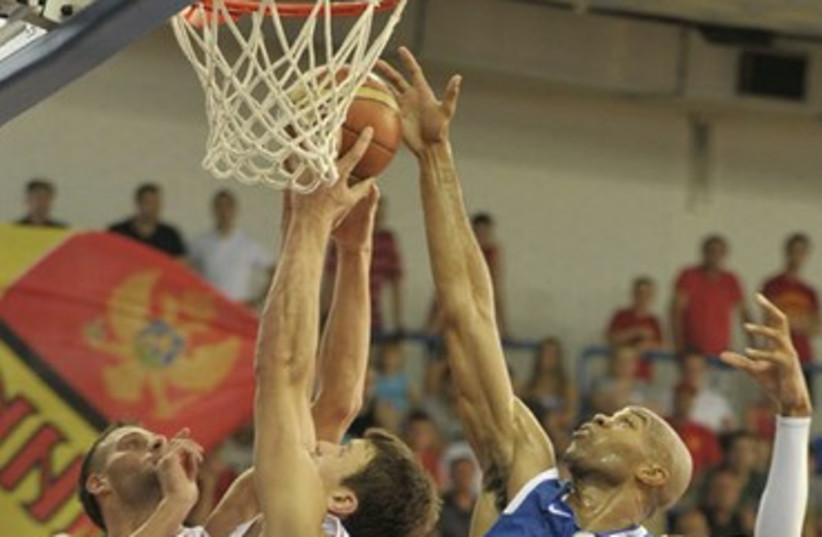 Israel- Montenegro game 370 (photo credit: Israel Basketball Association)