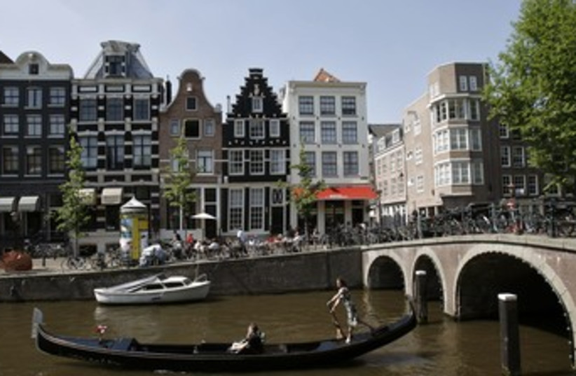 Amsterdam Canal 370 (photo credit: United Photos / Reuters)