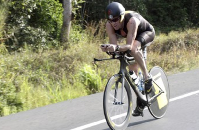 Lance Armstrong 370 (photo credit: REUTERS)