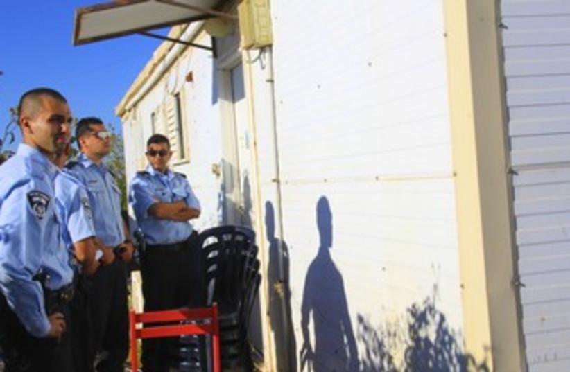 Migron eviction (370) (photo credit: TOVAH LAZAROFF)