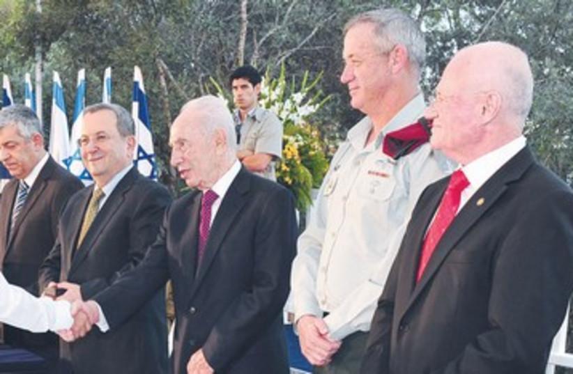 Israel Defense Prize ceremony 390 (photo credit: Ariel Harmoni / GPO)