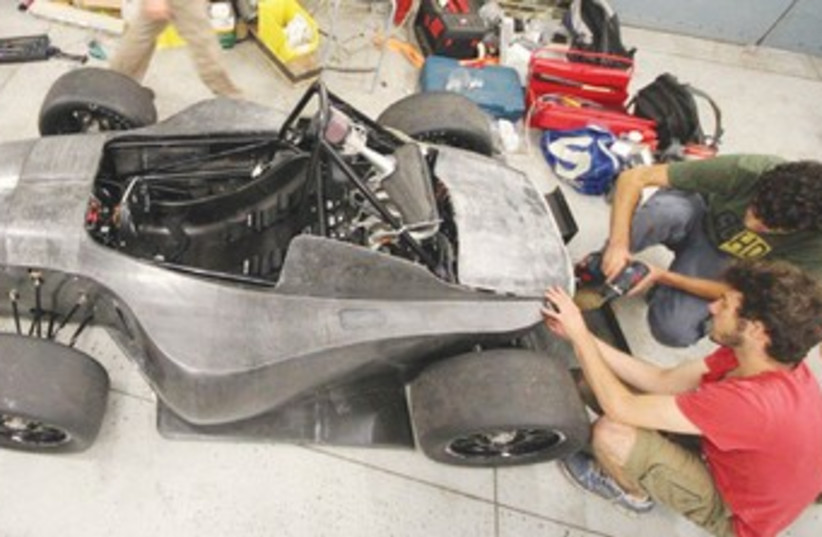Israeli students build race car 370 (photo credit: Courtesy Ben-Gurion University)
