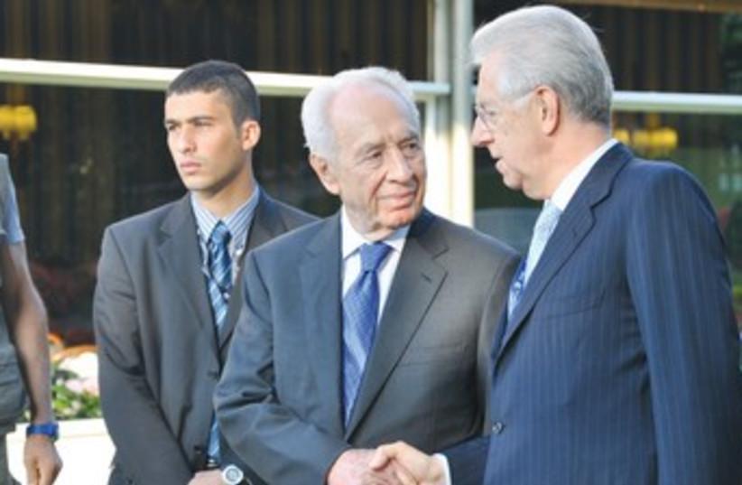 PERES meets with Italian Prime Minister Mario Monti 370 (photo credit: Amit Frenkel/President's Bureau)