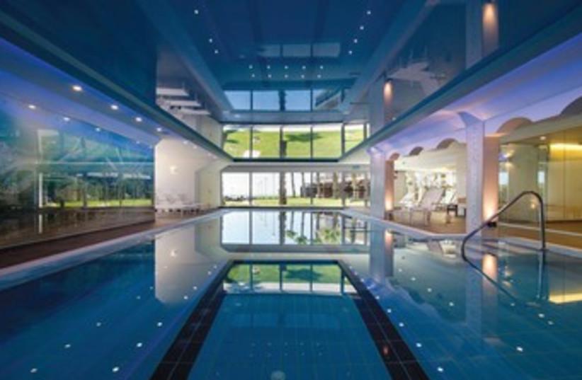 Sarana Spa indoor pool (photo credit: Courtesy)