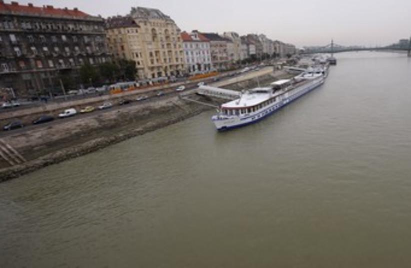 Danube river in central Budapest 370 (photo credit: Laszlo Balogh / Reuters)
