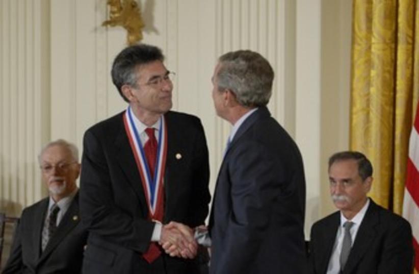 Robert J. Lefkowitz (photo credit: REUTERS/Handout .)