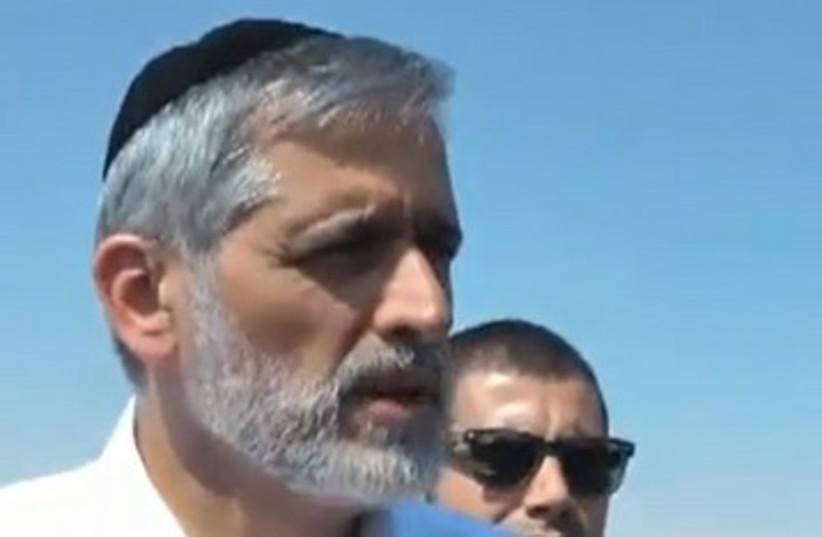 Eli Yishai tours detention centers in Negev 390 (photo credit: Screenshot)