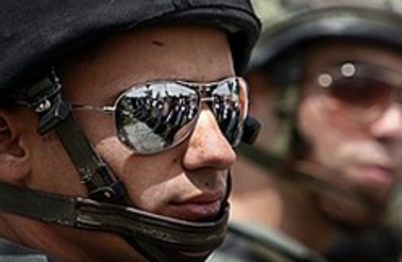 soldiers cool 248.88 (photo credit: AP [file])