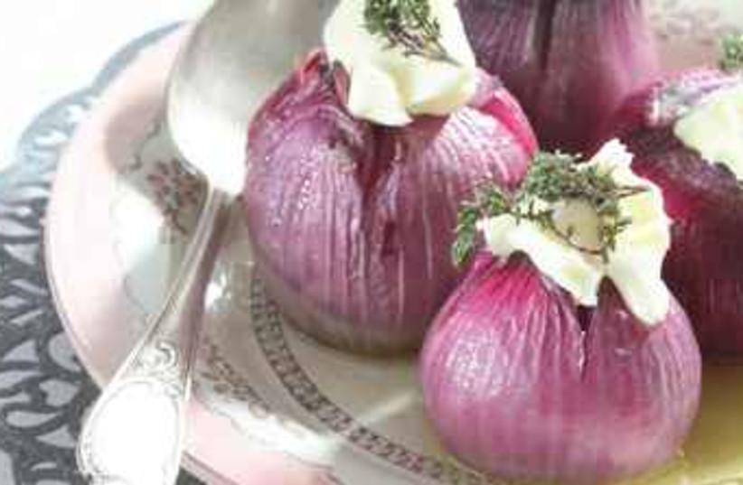 Roasted red onions (photo credit: Kfir Harbi)