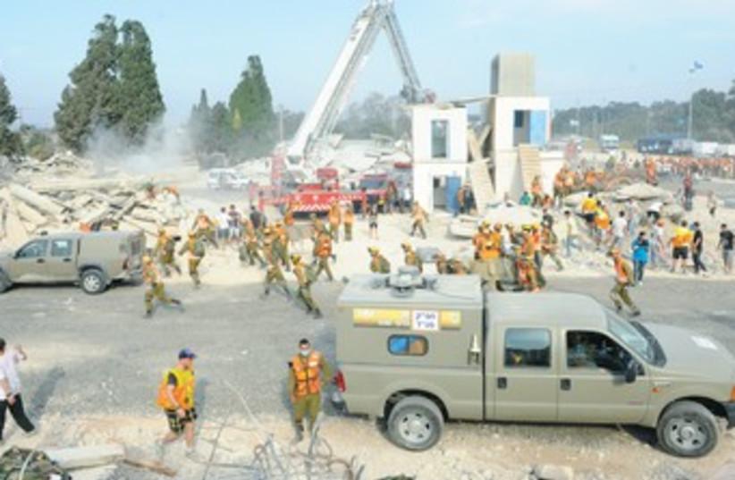 IDF preparing for earthquake drill 370 (photo credit: IDF Spokesman)