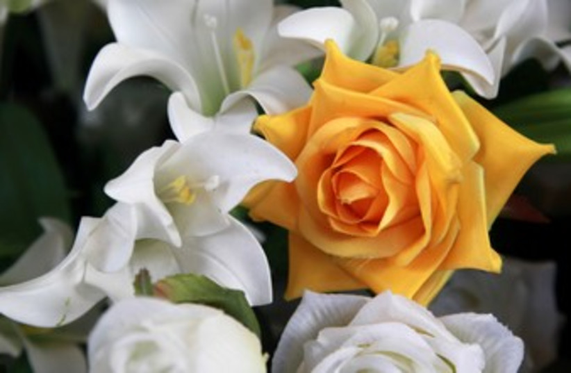 Fake flowers 370 (photo credit: Marc Israel Sellem)