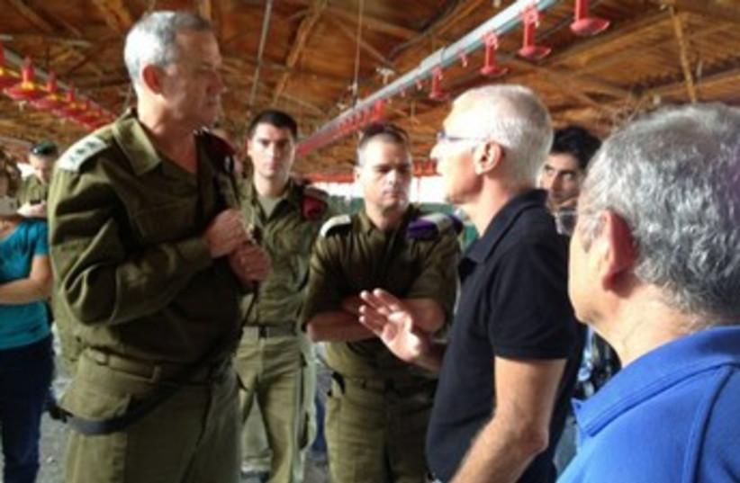 IDF Chief of Staff Lt.-Gen. Benny Gantz tours South 370 (photo credit: IDF Spokesman's Office)