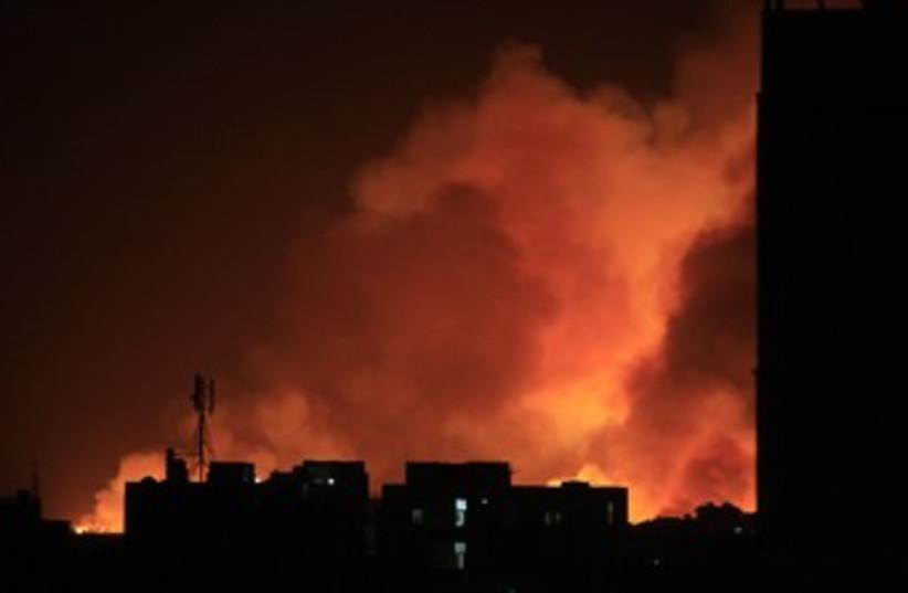 Khartoum arms fire R370 (photo credit: REUTERS/Stringer )