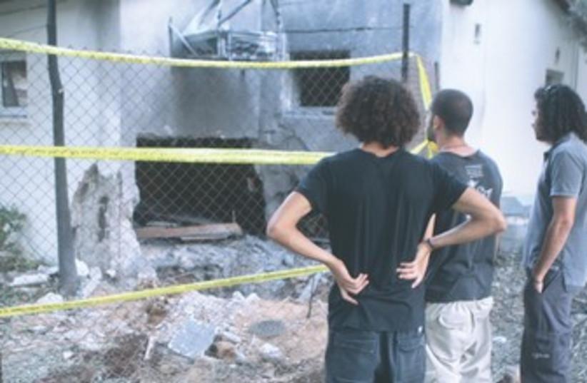 Eshkol region kibbutz home damaged by rocket 370 (photo credit: Ben Hartman)