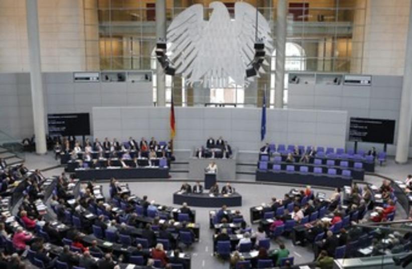 Bundestag 370 (photo credit: REUTERS/Fabrizio Bensch)