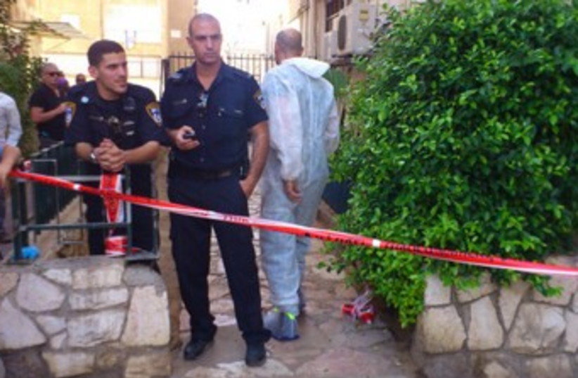 Police at Bat Yam shooting scene (photo credit: Ben Hartman)