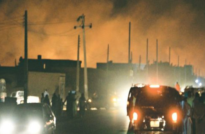 Khartoum bombardée 521 (photo credit: Reuters)