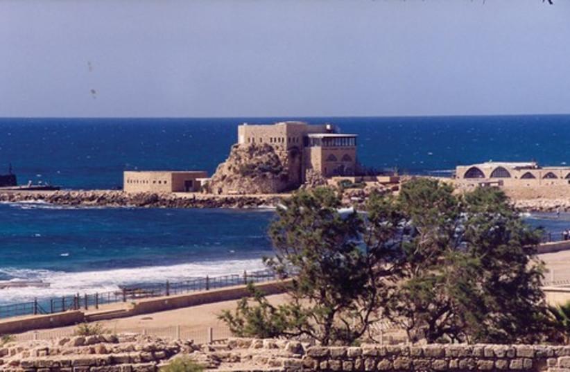 VIEW OF the Caesarea harbor 521 (photo credit: Ariel Jerozolimski)