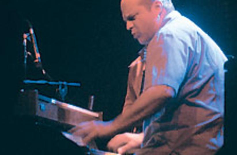 John Medeski 88 224 (photo credit: Ben Jacobson)