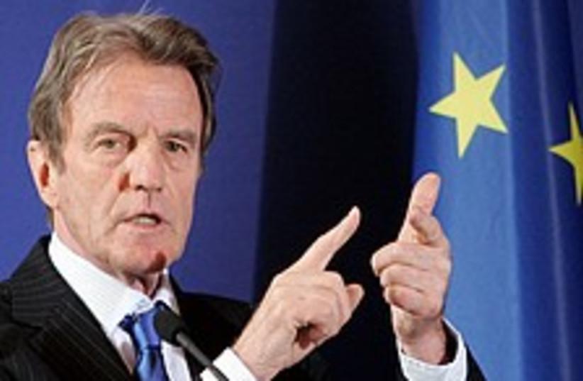 kouchner stresses 224.88 (photo credit: AP)