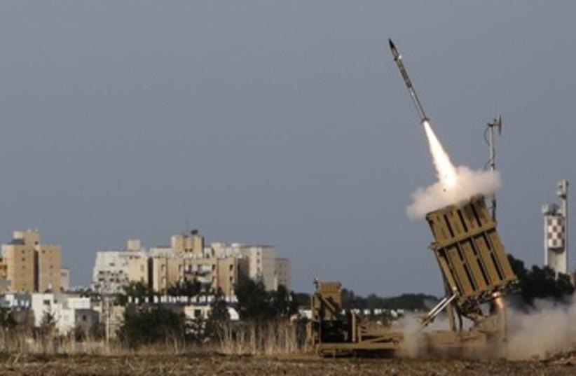 Iron Dome launcher 390 (photo credit: REUTERS/Amir Cohen)