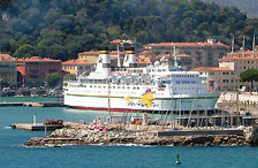 crusie ship 88 224 (photo credit: Courtesy)