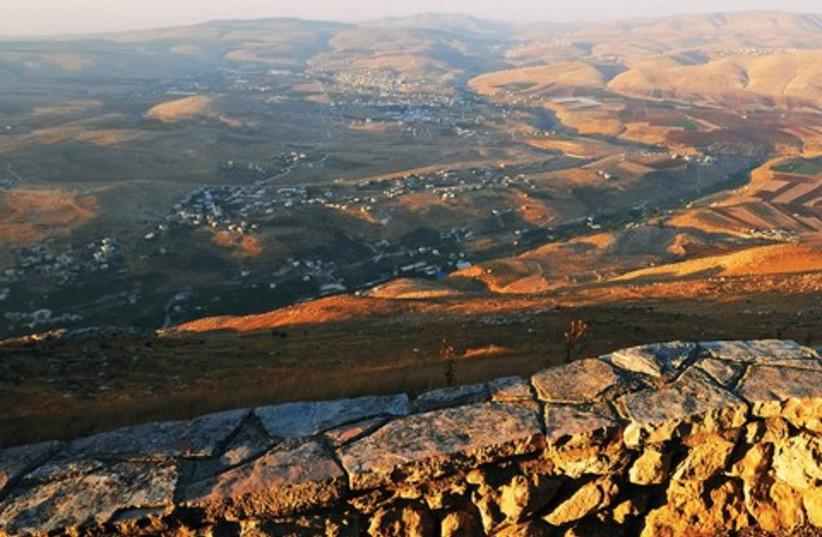 Samaria mountains 521 (photo credit: ITSIK MAROM)