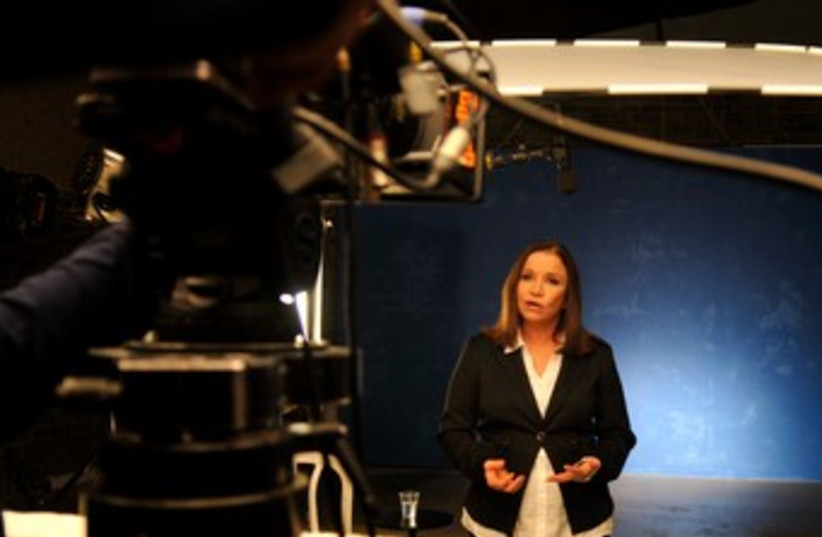 Shelly Yacimovich filming Labor campaign 370 (photo credit: Hadas Parush)
