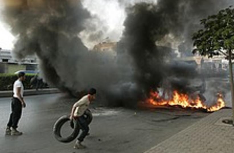 lebanon protest 224 88 (photo credit: AP)