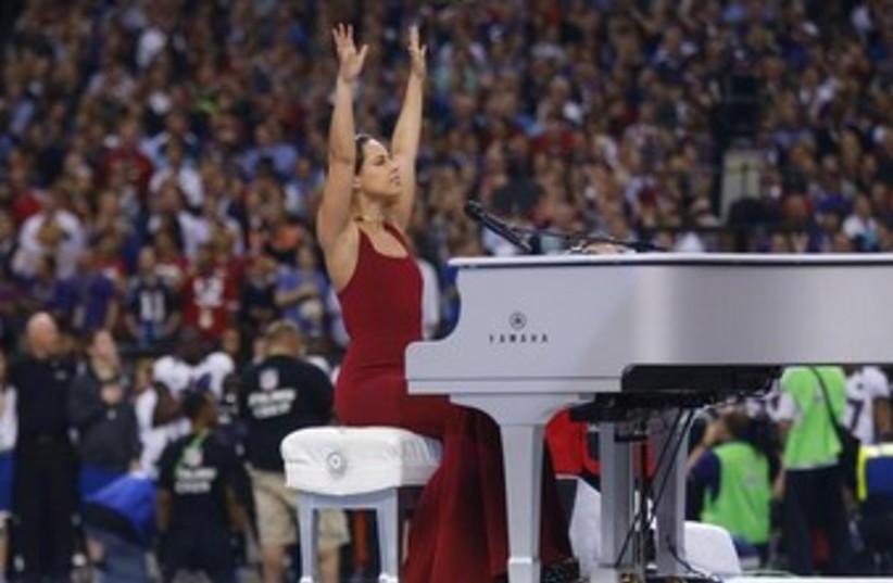 Singer Alicia Keys at the Superbowl 370 (photo credit: REUTERS/Jeff Haynes )