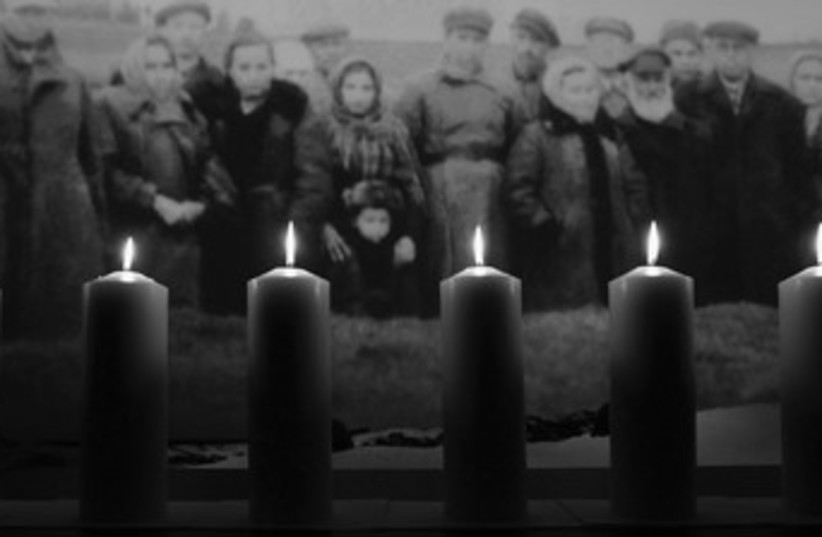 Holocaust candles 370 (photo credit: REUTERS)