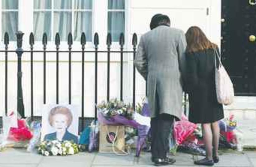 Thatcher vigil 370 (photo credit: REUTERS)