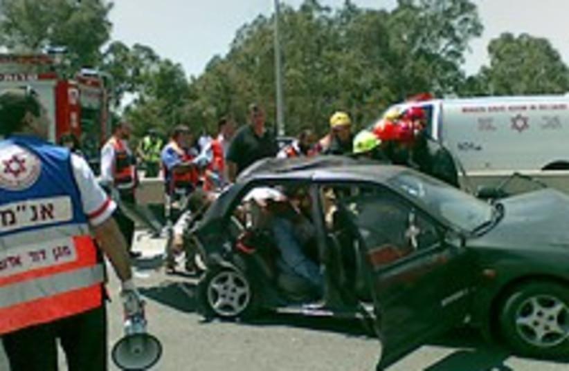 Modiin accident 224.88 (photo credit: Judea and Samaria Rescue Services)