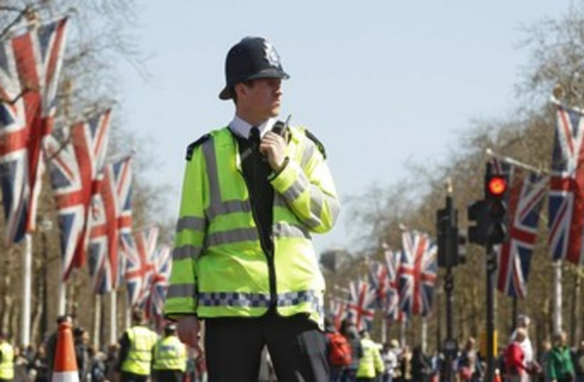 London Police 370 (photo credit: REUTERS)