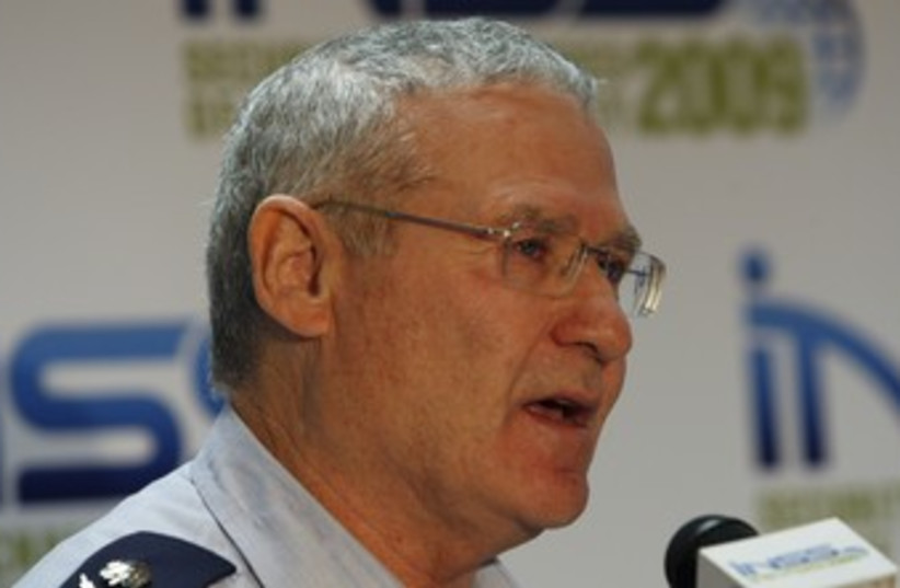 Amos Yadlin 370 (photo credit: REUTERS)
