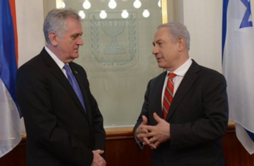 Netanyahu with Nikovic 370 (photo credit: courtesy prime minister's office)