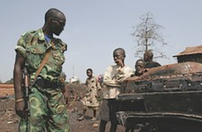 guinea soldier 224.88 (photo credit: AP)