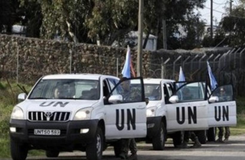 UN Truck Convoy 390 (photo credit: REUTERS/Baz Ratner)