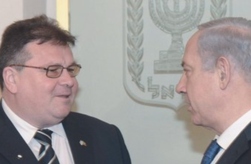 Lithuanian FM and Bibi370 (photo credit: Amos Ben Gershom GPO)