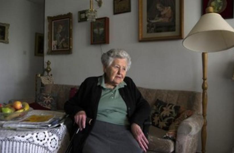 Hungarian-born Holocaust survivor Miriam Helman 370 (photo credit: REUTERS/Ronen Zvulun)