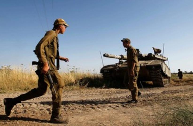 IDF tank soldiers 370 (photo credit: REUTERS)
