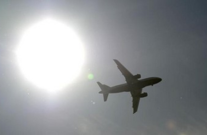 Generic airplane (photo credit: Reuters)