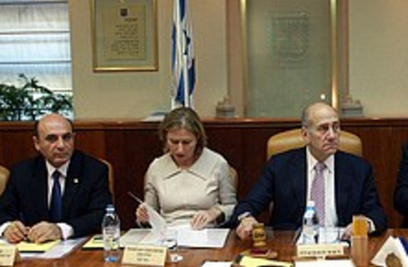 cabinet meeting 224.88 (photo credit: Daniel Bar-On/Jini)