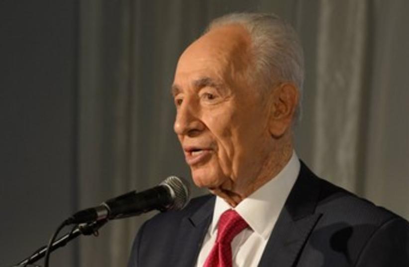 Shimon Peres 370 (photo credit: Gideon Markowitz)
